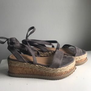 boohoo platform sandal